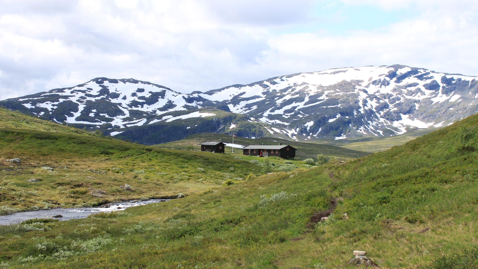 Ramsjohytta med Fongen i bakgrunnen. Foto: Christine Svarva Nielsen