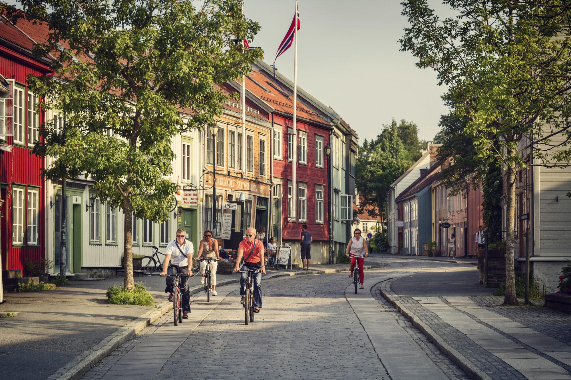 Bakklandet, i Trondheims gamleby. Foto: Søderholm-Steen / trondelag.com