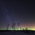 Nordlys med stjerneskudd og Melkeveien sett fra Ryånda i Meldal, Foto: Øyvind Schei