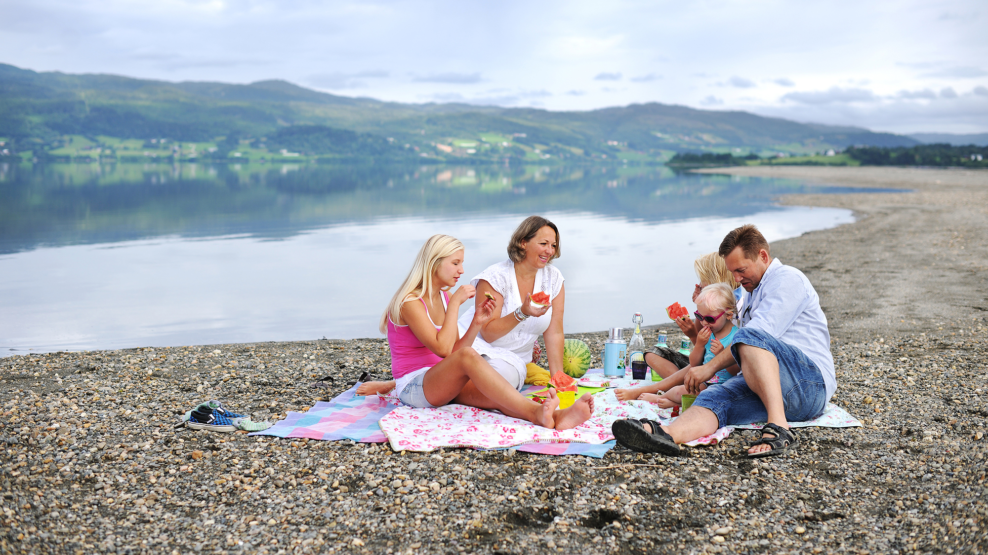 Piknik ved Selbusjøen. Foto: Marius Rua / trondelag.com