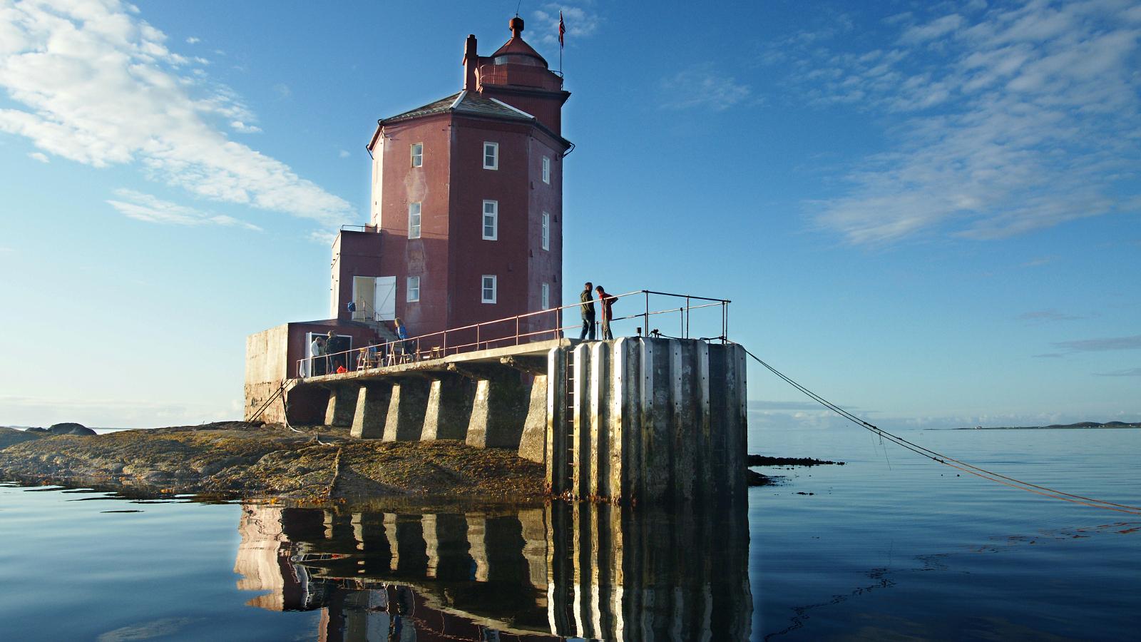Kjeungskjær fyr, Ørland på kysten av Trøndelag. Foto: Robert Selfors /trondelag.com
